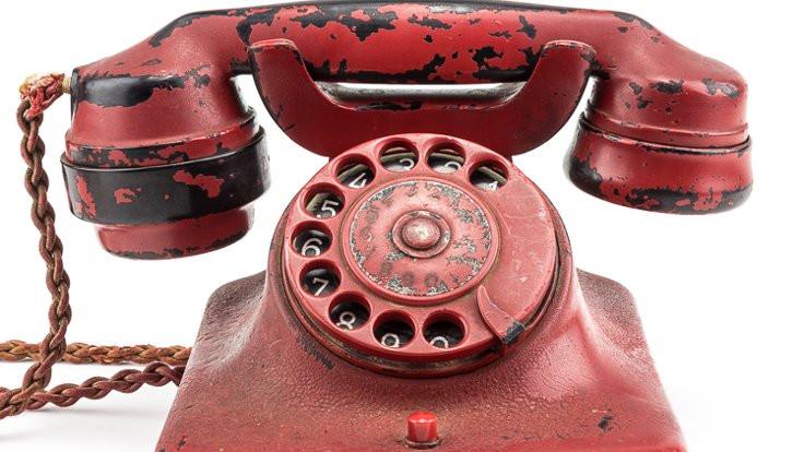 Generalin oğlu Hitler'in telefonunu sattı