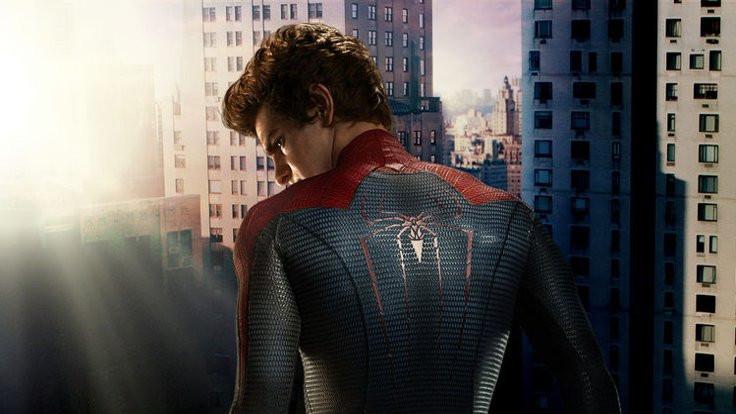 Örümcek Adam eve dönüyor!