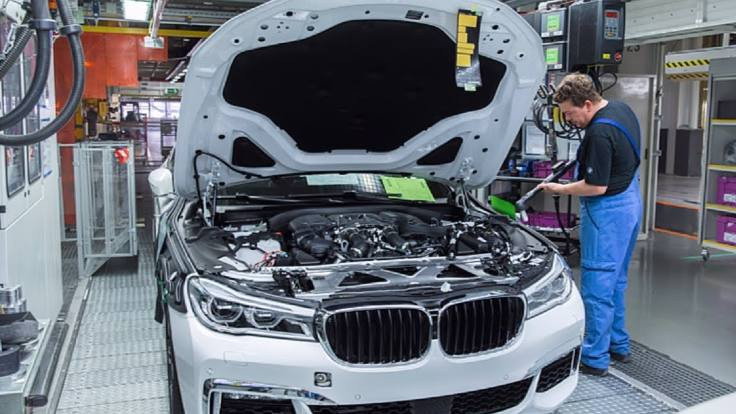 Esrar ve içki içtiler: BMW'de üretim durdu!