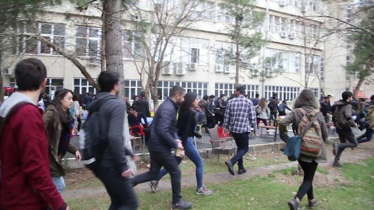 Dicle Üniversitesi'nde 16 öğrenciye gözaltı
