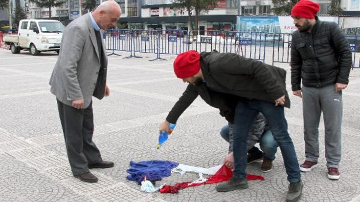 Samsun'da Hollanda bayrağını yaktılar