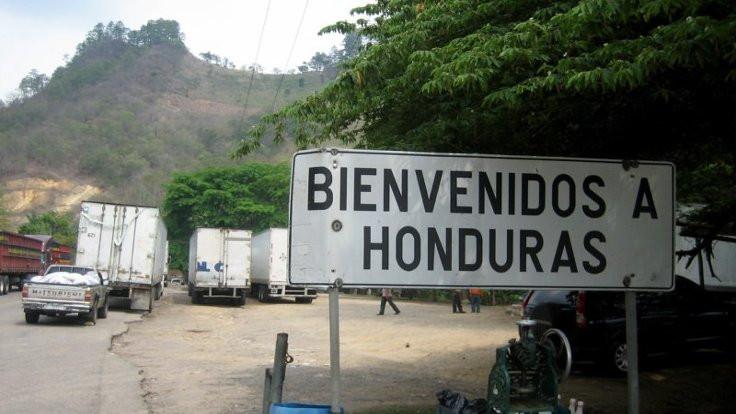 Sınır dışı edilmek