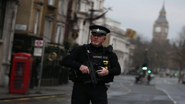 Londra'da bomba şüphesi