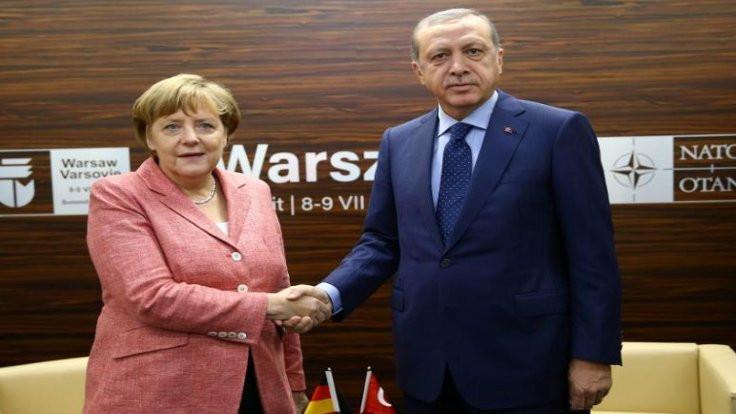Erdoğan Merkel'le görüşecek