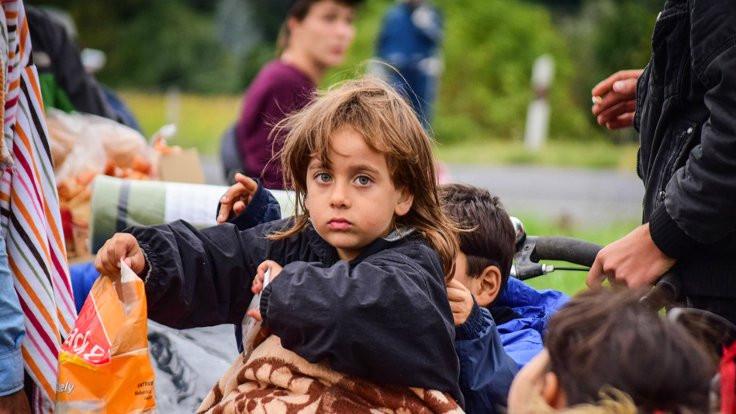 Mülteci dernekleri azalıyor