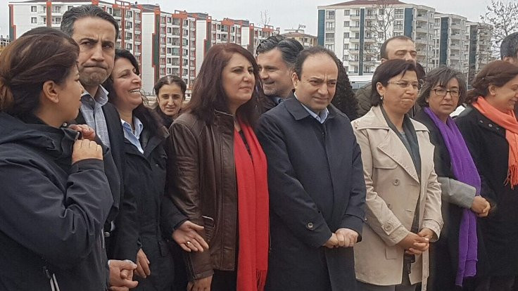 Newroz çağrısı: Barışa kapı aralasın
