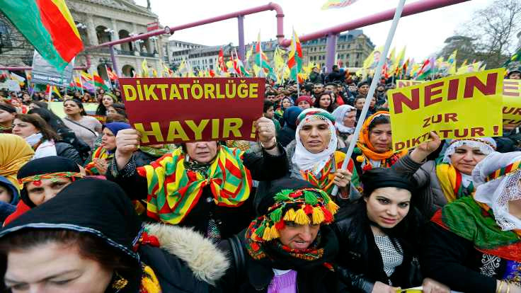 Frankfurt'ta Newroz kutlaması