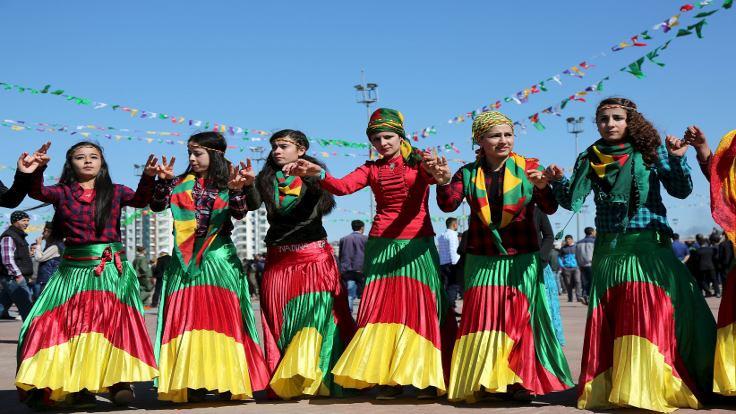 'Newroz'da milyonlar savaşa karşı barış mesajı verecek!'