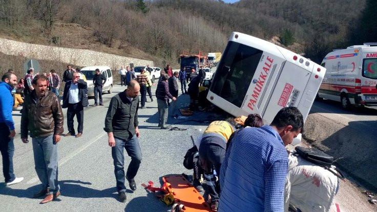 Sendika otobüsü devrildi, 7 kişi öldü