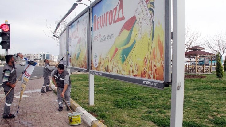 Şanlıurfa'da, Newroz afişleri toplatıldı