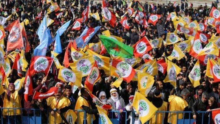 Newroz alanlarda kutlanıyor
