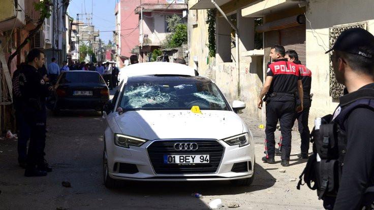 Adana'da kalaşnikoflu park yeri çatışması