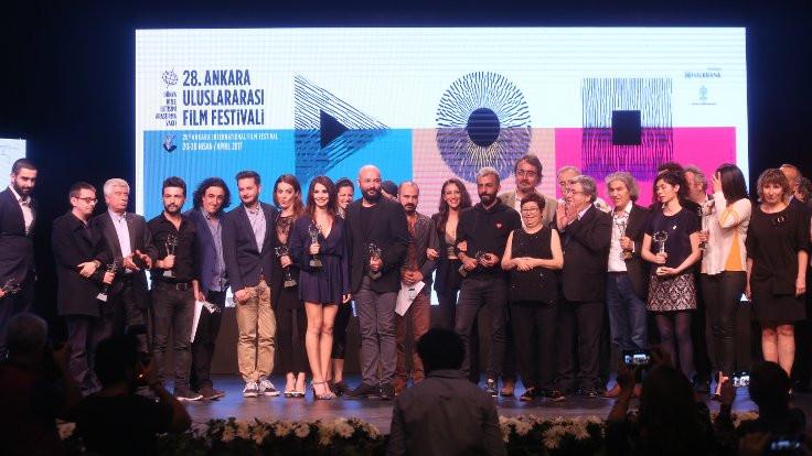 Ankara Film Festivali'nde ödüller verildi