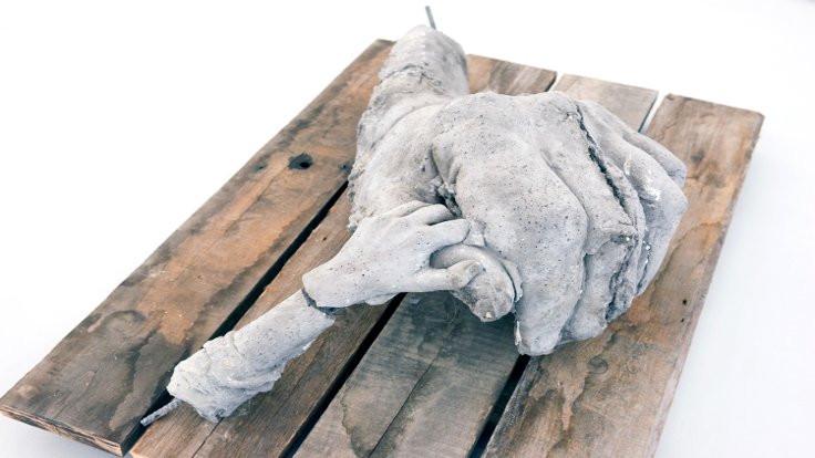 'İsyan'ın heykelleri Balat'ta