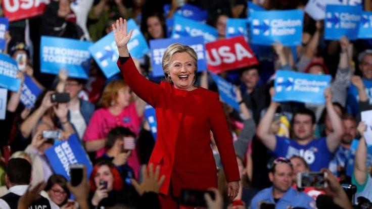 'Yetim paraları Clinton'a gitti' iddiası!