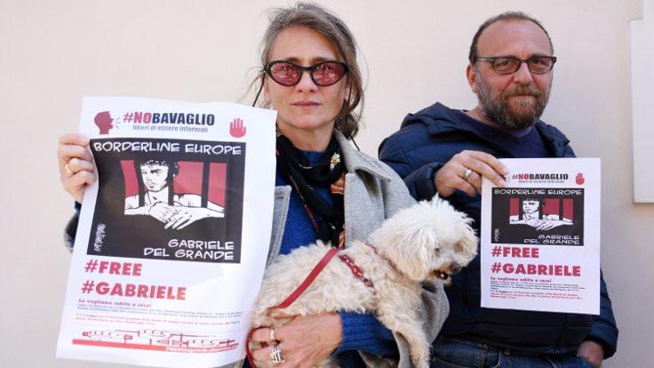 Gazeteci Del Grande'ye destek eylemleri