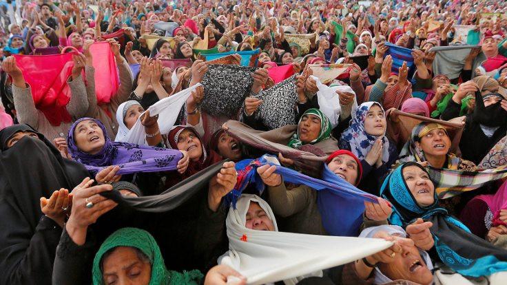 Kadın özgürlüğü kadınların cumasında saklı