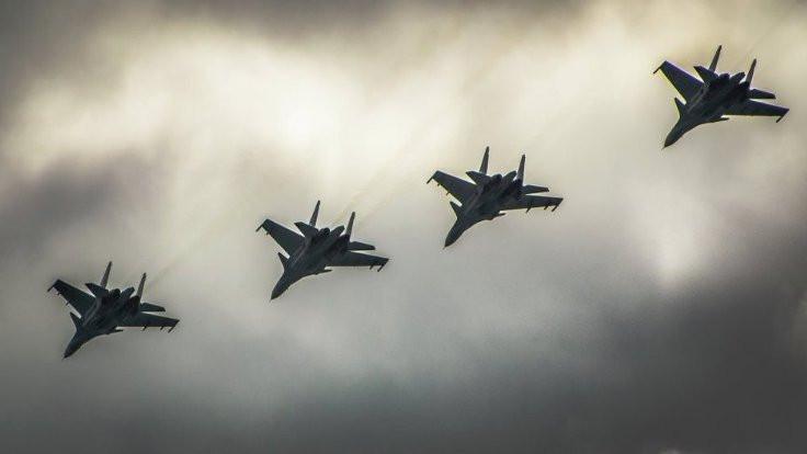 Rusya, Suriye'deki uçaklarının yarısını çekti