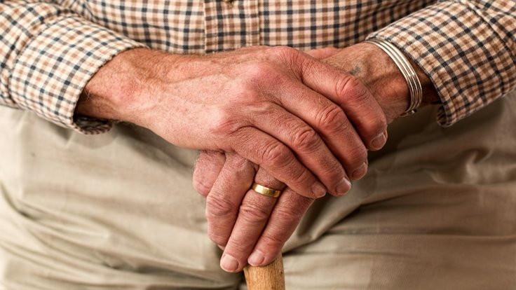 Emekliler hayatından memnun değil