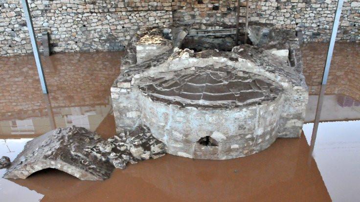 Bizans şapelindeki haç çalındı