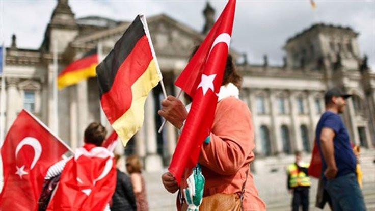 Almanya ilticaları neden kabul etti?