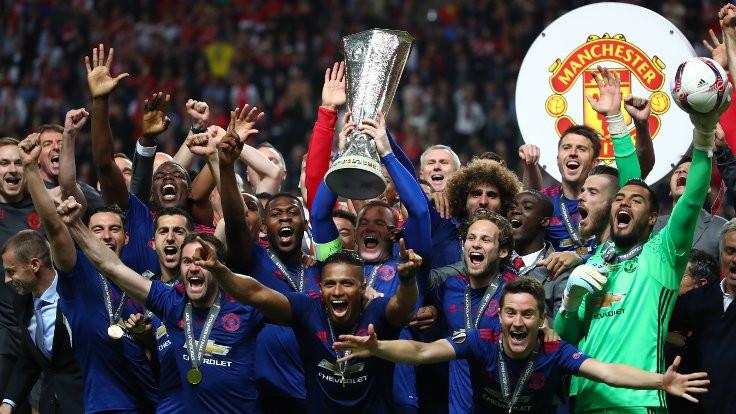 Kupa Manchester United'ın, gece Zlatan'ın