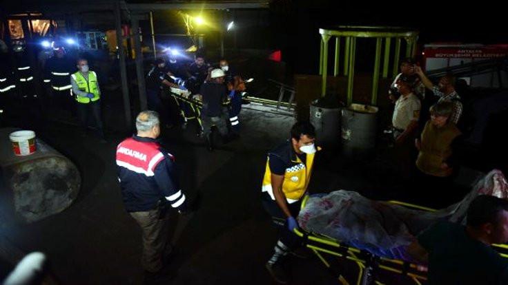 Madende mahsur kalan işçilerin cansız bedenlerine ulaşıldı