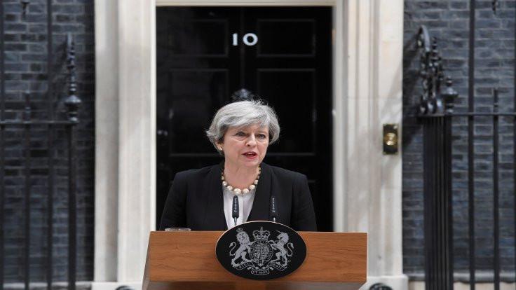 İngiltere: Saldırganın kimliğini biliyoruz