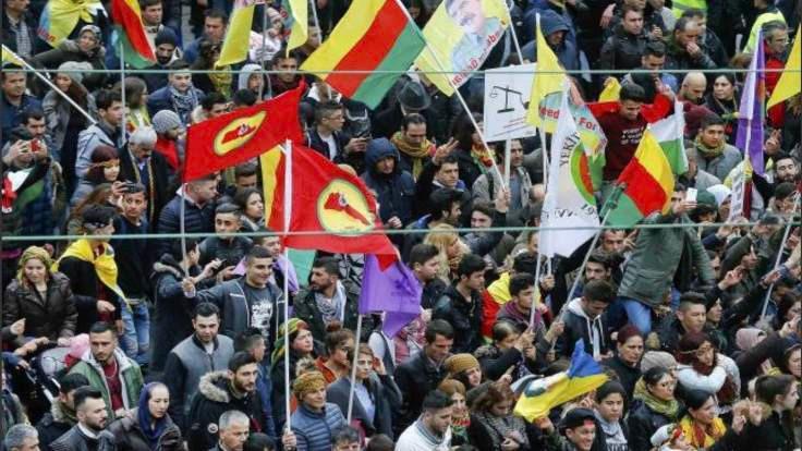 Almanya'da Kürt gösterici için tutuklama kararı
