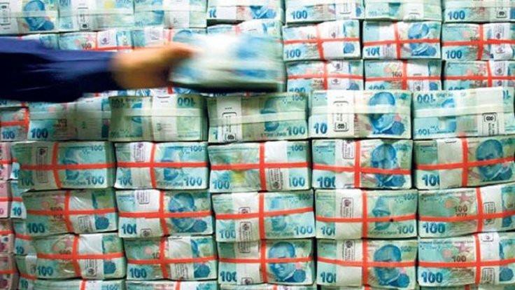 Hazine 8 milyar lira borçlandı