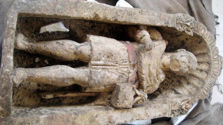 1500 yıllık heykeli müzeden çaldılar