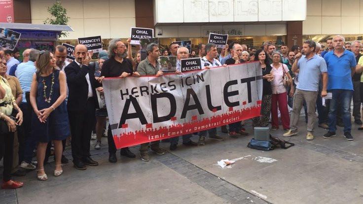 İzmir'de 'Adalet Nöbeti' tutuldu