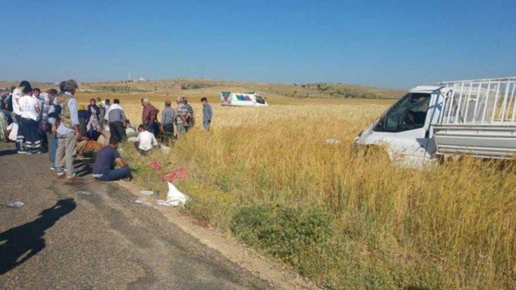 2 kamyonet çarpıştı: 4 kişi hayatını kaybetti