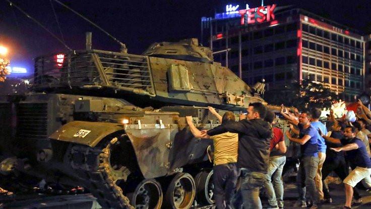 'Tankları durdurdum demedim, gazeteci dedi'