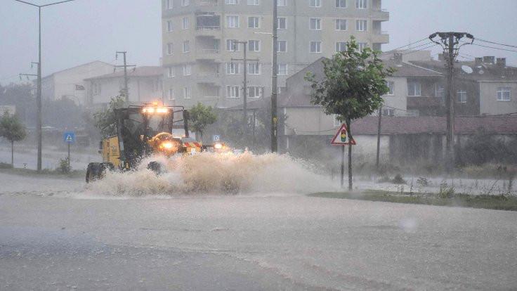 Çorlu'ya 77 kilo yağış düştü
