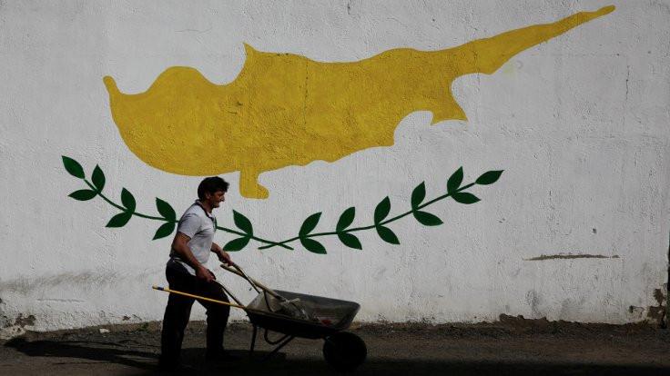 'Kıbrıs'ta Türkiye'ye bağlanmak da masada'