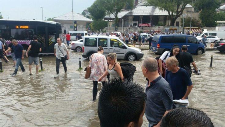 İstanbullulara uyarı: Camdan bakmayın