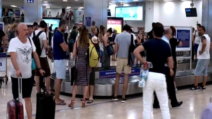 Atatürk Havalimanı'nda valiz kavgası