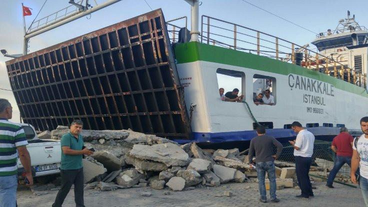'Çanakkale' Feribotu, Marmara Adası'nda iskeleye çarptı