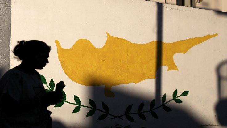 Kıbrıs'ta neler oluyor?