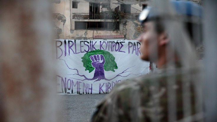 Kıbrıs müzakerelerine hayat öpücüğü