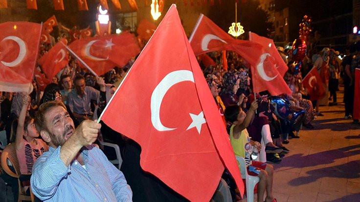 Siirt'te nöbet 'Mustafa Kemal'in askeriyiz' sloganıyla başladı