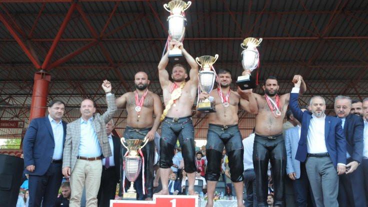 Altın kemeri İsmail Balaban kazandı