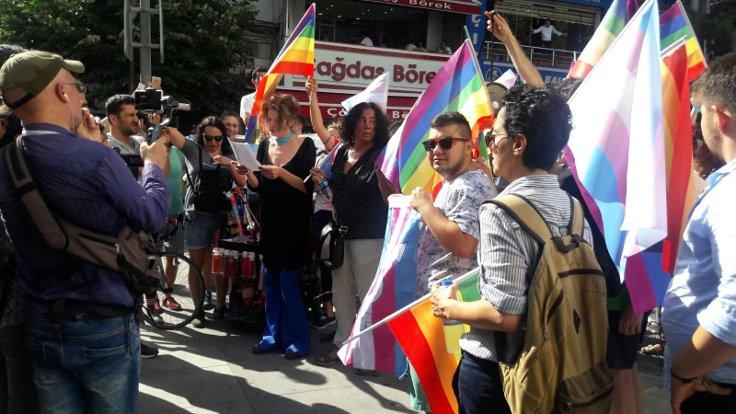 LGBTİ yürüyüşünde 7 kişi gözaltında