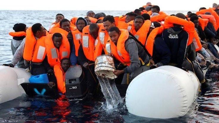 İnsan tacirleri göçmenleri denize atıyor