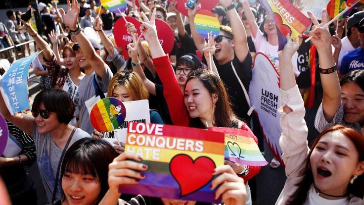 'LGBT vakıfları kamuya yararlıdır'