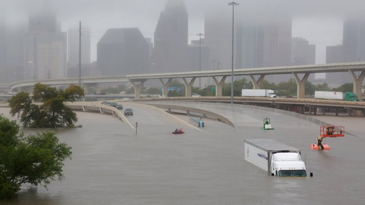 'Harvey' Houston'ı vurdu