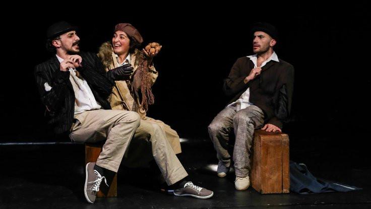 B. Cem Kola: Tek kaygım tiyatroların 'alternatif devlet tiyatroları'na dönüşmesi
