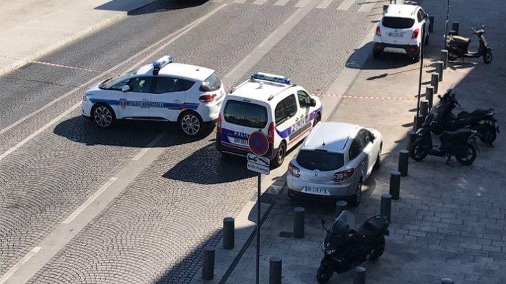 Marsilya'da araç kalabalığa daldı: 1 kişi öldü