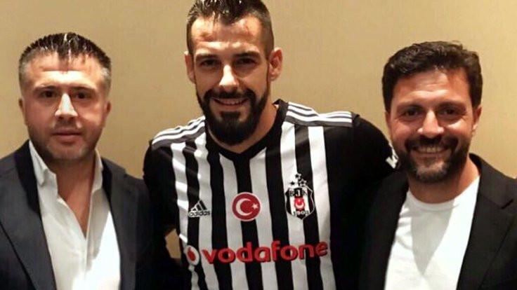 Negredo Beşiktaş'a resmi imzayı attı